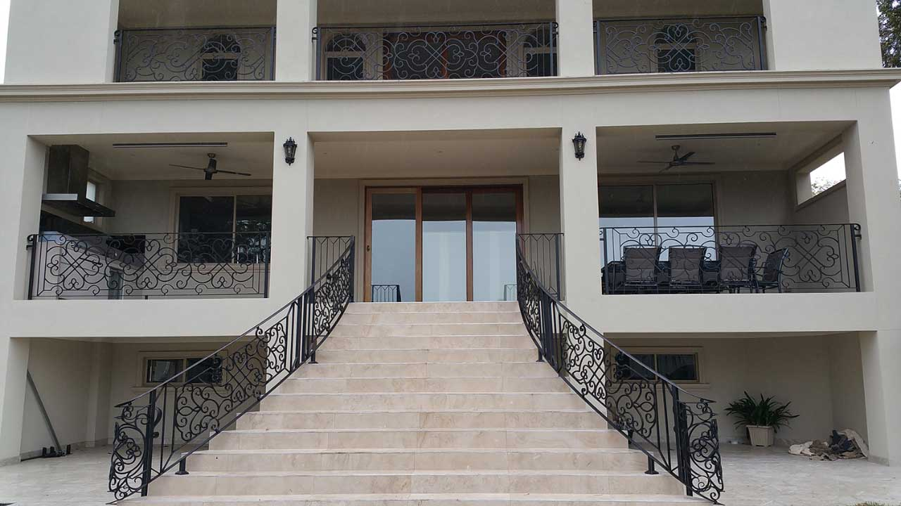 Elegance-in-iron-project-balustrade
